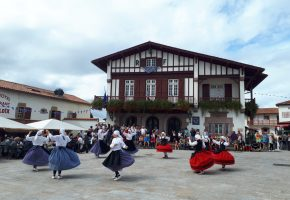 Spectacle de danses basques du groupe Goiz Argi
