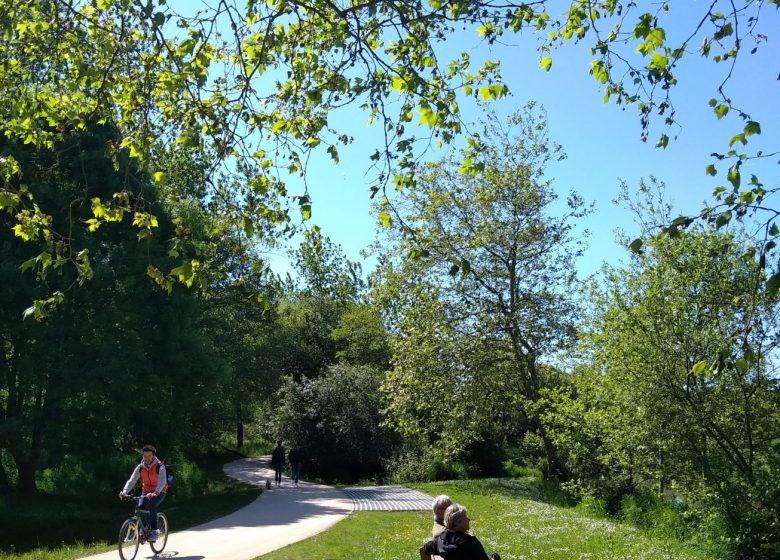 Aire de pique-nique de la voie verte de l'Uhabia